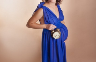 Sukienka chabrowa do sesji ciążowych