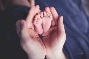noworodek, sesja zdjęciowa, stópki