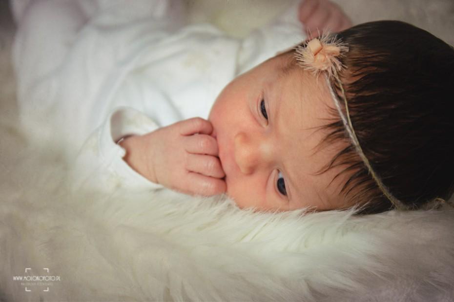 Sesja noworodkowa słodkiej Hani